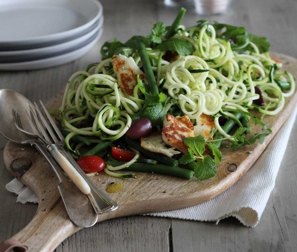 Barfoots Courgette Spaghetti with with Crispy Halloumi, Green Beans, Black Olives & Mint recipe